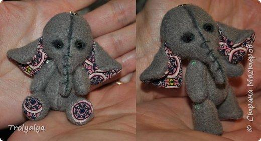 Дочь была на выставке в Москве и насмотрела там брошки-слоники. Купить нам оказалось не по карману, но я сшила ей почти таких же))  фото 2