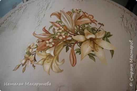 Вот такой столик расписала я  масляными красками!  фото 2