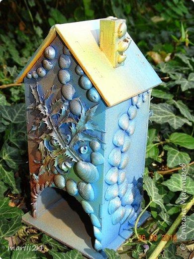 Добрый день уважаемые жители СМ. Сегодня выложу 3 новых чайных домика - экспериментальные. Первые два сделаны с использованием природных материалов, а проще - колючек, травок и цветочков с горки за домом и ракушек с пляжа. фото 13