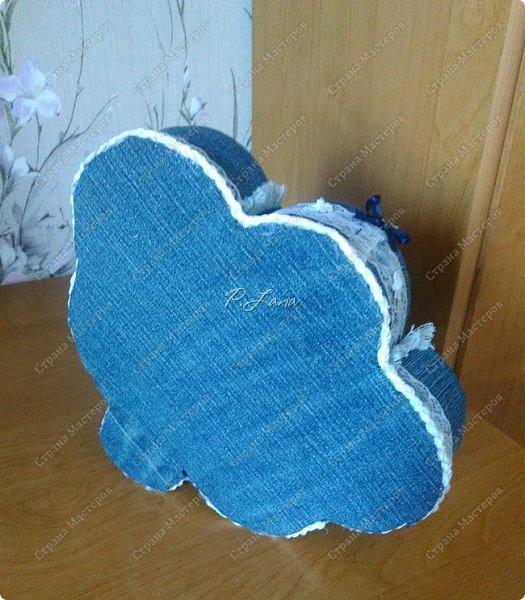 Здравствуйте,жители СМ! Вот такой джинсовый органайзер я сделала дочке к первому сентябрю ,Давно хотелось сотворить что то из старых джинс. Большое спасибо, Евгении за вдохновение и МК http://stranamasterov.ru/node/588945 ! фото 4