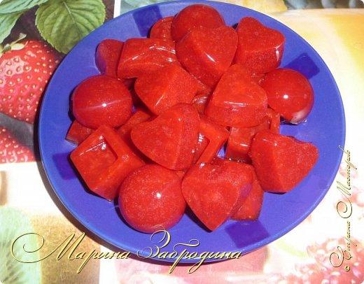 Здравствуйте, пишу Вам один очень простой, вкусный и сладкий рецепт - домашний мармелад из агар-агара. Готовится очень быстро. Для его приготовления я возьму клубнику, но теоретически можно выбрать любое ягодное пюре или фруктовый сок. фото 17