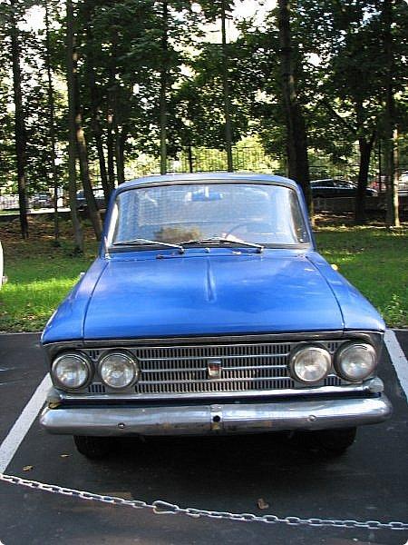 Первый полностью советский автомобиль АМО-Ф-15 был произведен заводом АМО в 1924 году.  С этого момента начинается развитие советского автомобилестроения.  В 1931—1933 предприятие АМО было реконструировано и, переименованное в ЗИС, выпускало грузовики по лицензии американской фирмы Autocar, а в Нижнем Новгороде (позже Горький) в 1930—1932 было построено предприятие НАЗ (ГАЗ), выпускавшее легковые и грузовые автомобили по лицензии фирмы Ford Motor.  Оба предприятия, построенные в ходе индустриализации, стали основой национального автомобилестроения и вместе с менее крупными предприятиями (Первый автосборочный, позже ГЗА (Нижний Новгород/Горький), ЯГАЗ — бывший «Лебедев» (Ярославль), КИМ (Москва) и т. д.) обеспечили к 1938 году выход СССР на первое место в Европе и второе в мире по выпуску грузовиков. фото 8