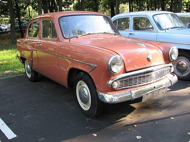 Первый полностью советский автомобиль АМО-Ф-15 был произведен заводом АМО в 1924 году.  С этого момента начинается развитие советского автомобилестроения.  В 1931—1933 предприятие АМО было реконструировано и, переименованное в ЗИС, выпускало грузовики по лицензии американской фирмы Autocar, а в Нижнем Новгороде (позже Горький) в 1930—1932 было построено предприятие НАЗ (ГАЗ), выпускавшее легковые и грузовые автомобили по лицензии фирмы Ford Motor.  Оба предприятия, построенные в ходе индустриализации, стали основой национального автомобилестроения и вместе с менее крупными предприятиями (Первый автосборочный, позже ГЗА (Нижний Новгород/Горький), ЯГАЗ — бывший «Лебедев» (Ярославль), КИМ (Москва) и т. д.) обеспечили к 1938 году выход СССР на первое место в Европе и второе в мире по выпуску грузовиков. фото 5