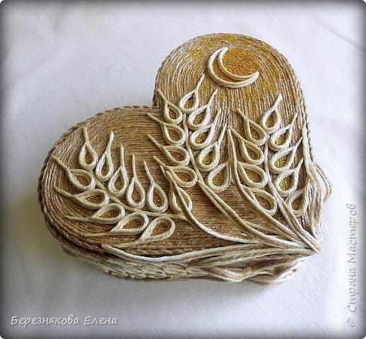 Приветствую всех-всех-всех)))А у меня очередная «сердечная» шкатулочка.Но в этот раз с колосьями пшеницы. Ну,что ж,начнём просмотр?  фото 2