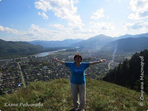 В прошлые выходные выдался погожий денёк, и решили мы с семьёй в горы сходить. Тем более, что ехать никуда не надо. Вышел из дома и минут через 20 ты уже у подножия гор стоишь. Дело за малым: забраться наверх. фото 2