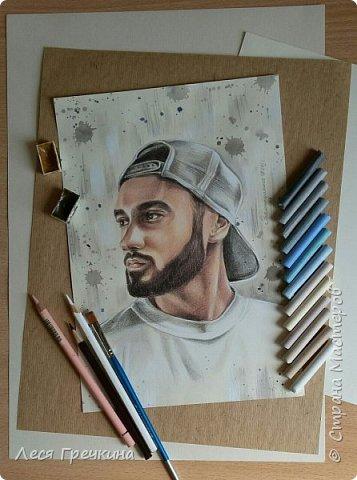 Портреты цветными акварельными карандашами на пастельной бумаге. фото 3