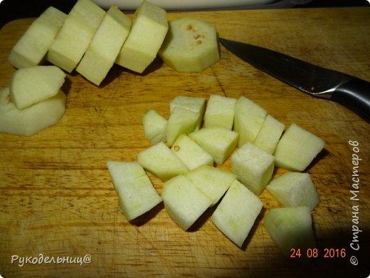 Всем добрый вечер. Угощаю вас простым, но вкусным блюдом. Это жареные баклажаны с яйцом. Рецепт как раз сейчас актуален. фото 3