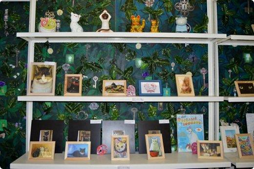 """Здравствуйте, дорогие друзья!!! Приглашаю всех любителей котов и кошек на экскурсию в необычный кошачий музей, который находится в центре Минска. Музей Кота - уникальное в своём роде культурно-развлекательное место, где живёт, пожалуй, самое милое произведение искусства, созданное матушкой-природой. Главные """"экспонаты"""" музея - это живые коты и кошки!!! фото 29"""