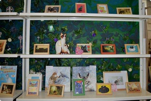 """Здравствуйте, дорогие друзья!!! Приглашаю всех любителей котов и кошек на экскурсию в необычный кошачий музей, который находится в центре Минска. Музей Кота - уникальное в своём роде культурно-развлекательное место, где живёт, пожалуй, самое милое произведение искусства, созданное матушкой-природой. Главные """"экспонаты"""" музея - это живые коты и кошки!!! фото 33"""