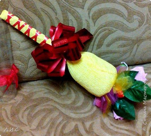 Если утром идти на линейку, а под рукой ни цветов,ни конфет, за исключением трёх ирисок.... фото 1