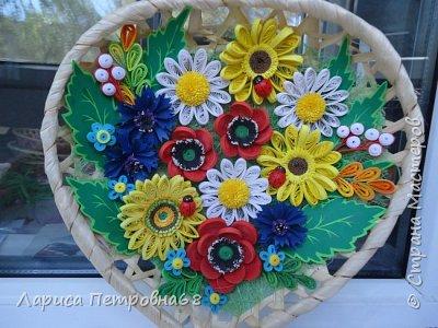Доброе время суток жители Страны Мастеров !!! Давно были куплены корзинки и накручены цветочки но вот только сейчас соединила их вместе и получились корзинки с цветами  Подобные корзинки я уже делала ,подсмотрела  у Астаховой Инны ,большое спасибо за идею фото 2
