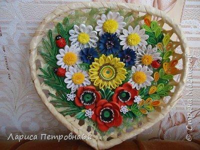 Доброе время суток жители Страны Мастеров !!! Давно были куплены корзинки и накручены цветочки но вот только сейчас соединила их вместе и получились корзинки с цветами  Подобные корзинки я уже делала ,подсмотрела  у Астаховой Инны ,большое спасибо за идею фото 14