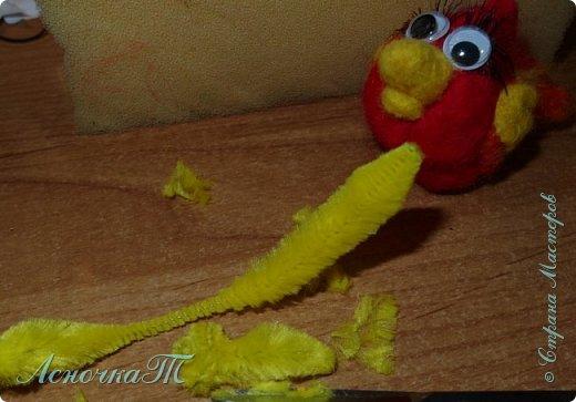 Доброе время суток, друзья! Представляю вашему  вниманию  очередное  моё  шерстяное  создание малыша Петьку! Правда дочка сказала,  что от больше похож на  птичку энгри бердз из мультика. Ну и ладно. Пусть  будет  и так.Тогда его можно назвать энгри бердз Петька!))) В общем прошу любить и жаловать. фото 4