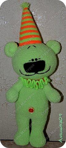 Мишка связан из Ализе софти Автор игрушки Виктория Соколова Рост 38 см с колпаком  фото 1