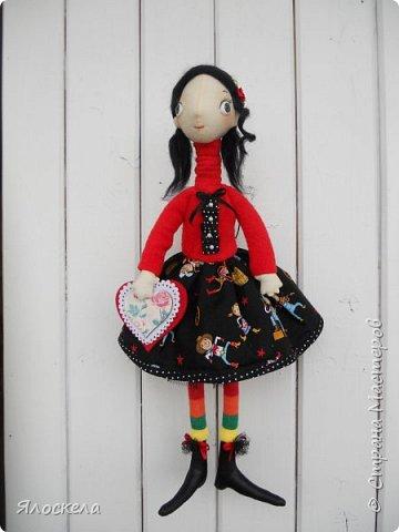Всем доброго дня! Продолжаю шить кукол по выкройкам Е.Войнатовской. Куколка сшита в подарок институтской подруге фото 1