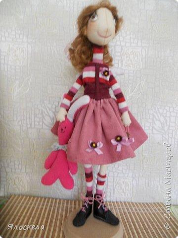 Всем доброго дня! Продолжаю шить кукол по выкройкам Е.Войнатовской. Куколка сшита в подарок институтской подруге фото 7