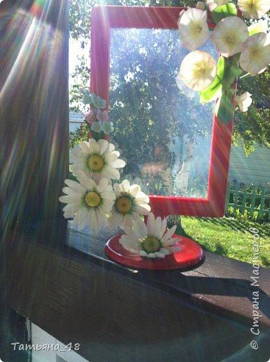 Привет всем!!!! Выставляю на ваш суд мое произведение в виде декора рамки...  Подарок для подруги....Вот устроила на даче фотосессию. Первая фото удачная получилась... с лучами солнышка... фото 1