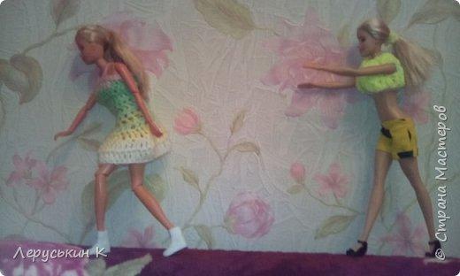Всем привет. Сегодня мои куклы покажут что они делают когда меня нет дома.  фото 5