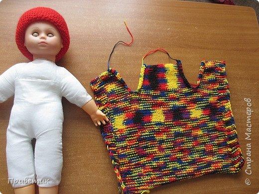 Лето закончилось :( пора утепляться. Внучкиной кукле связала такой осенний комплект. фото 15