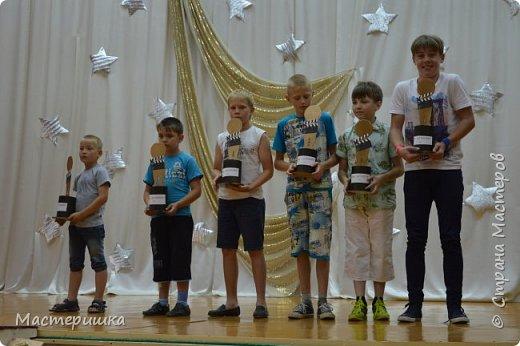 Вот и начался новый учебный год .... с чем всех  и ПОЗДРАВЛЯЮ!!! А я спешу показать несколько фото счастливых лиц ребят из нашего летнего лагеря. фото 16