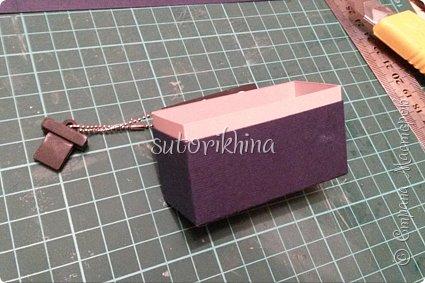 Добрый день! В этом МК я расскажу, как делала небольшие коробочки для флешек (в подарок музыкантам). Одна коробочка для гитариста, вторая для певицы. фото 15