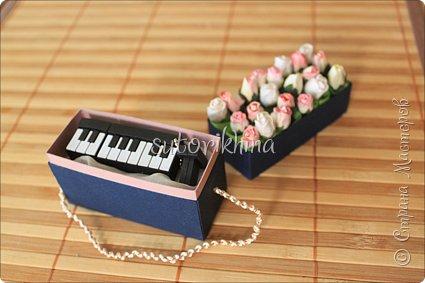 Добрый день! В этом МК я расскажу, как делала небольшие коробочки для флешек (в подарок музыкантам). Одна коробочка для гитариста, вторая для певицы. фото 22