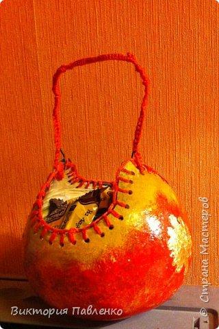 Корзинка из тыквы для конфет. фото 1