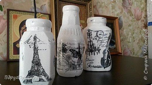 Здравствуйте, соседи! Хочу показать вам свои вазочки-баночки-бутылочки и еще немного всякой всячины. Готовила их, по традиции, на благотворительную ярмарку - для веточек вербы. Не все любят большие букеты, вот для малюсек такие емкости вполне удобны. фото 1