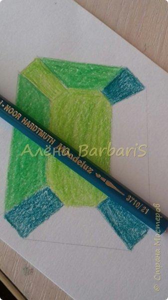 Доброго времени суток!)  Сегодня покажу вам как можно нарисовать объемные камушки. Данный мастер-класс я увидела в инстаграмме, совершенно не запомнив у кого (( решила попробовать, затем конечно показать вам :) В общем нам понадобится бумага, акварельные цветные карандаши, кисточка, вода.  фото 23