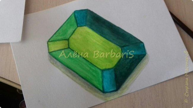 Доброго времени суток!)  Сегодня покажу вам как можно нарисовать объемные камушки. Данный мастер-класс я увидела в инстаграмме, совершенно не запомнив у кого (( решила попробовать, затем конечно показать вам :) В общем нам понадобится бумага, акварельные цветные карандаши, кисточка, вода.  фото 34