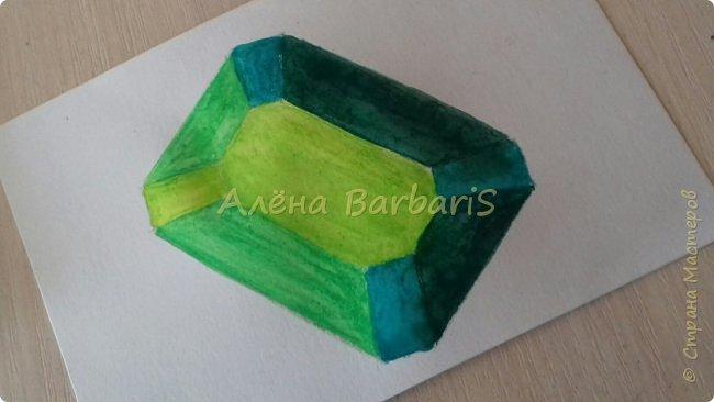 Доброго времени суток!)  Сегодня покажу вам как можно нарисовать объемные камушки. Данный мастер-класс я увидела в инстаграмме, совершенно не запомнив у кого (( решила попробовать, затем конечно показать вам :) В общем нам понадобится бумага, акварельные цветные карандаши, кисточка, вода.  фото 27