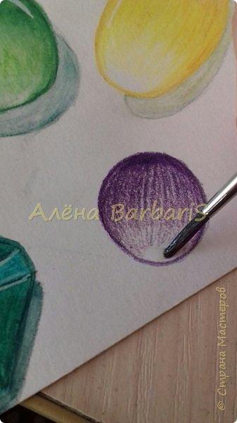 Доброго времени суток!)  Сегодня покажу вам как можно нарисовать объемные камушки. Данный мастер-класс я увидела в инстаграмме, совершенно не запомнив у кого (( решила попробовать, затем конечно показать вам :) В общем нам понадобится бумага, акварельные цветные карандаши, кисточка, вода.  фото 10