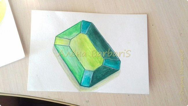 Доброго времени суток!)  Сегодня покажу вам как можно нарисовать объемные камушки. Данный мастер-класс я увидела в инстаграмме, совершенно не запомнив у кого (( решила попробовать, затем конечно показать вам :) В общем нам понадобится бумага, акварельные цветные карандаши, кисточка, вода.  фото 35
