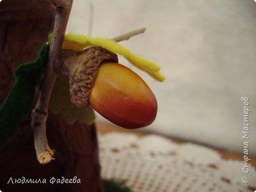Добрый вечер, дорогие соседи!!! На днях поступил заказ на поделку к празднику Золотая осень. Получилась у меня дерево-ваза. За основу взяла стеклянную баночку, так что ваза функциональная-пригодна как для живых цветов, так и сухоцвета. фото 7