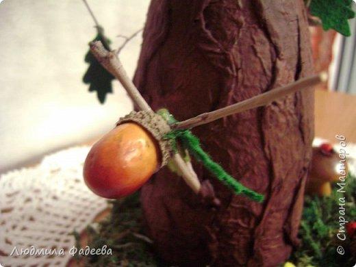 Добрый вечер, дорогие соседи!!! На днях поступил заказ на поделку к празднику Золотая осень. Получилась у меня дерево-ваза. За основу взяла стеклянную баночку, так что ваза функциональная-пригодна как для живых цветов, так и сухоцвета. фото 8