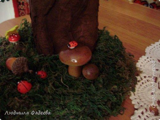 Добрый вечер, дорогие соседи!!! На днях поступил заказ на поделку к празднику Золотая осень. Получилась у меня дерево-ваза. За основу взяла стеклянную баночку, так что ваза функциональная-пригодна как для живых цветов, так и сухоцвета. фото 2