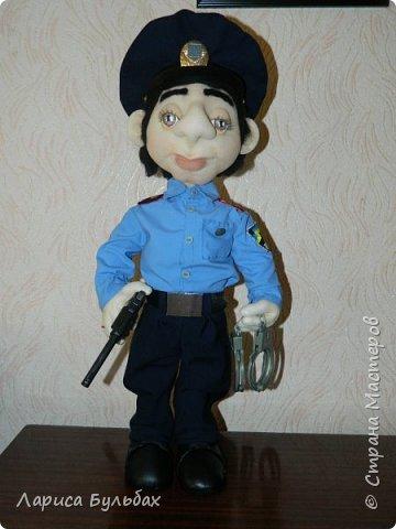 Хочу представить на суд жителей страны свою новую куколку- милиционера. фото 1
