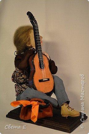 Девушка с гитарой  фото 3