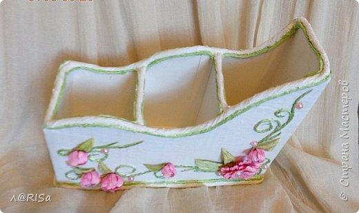 Органайзер из картонной коробки с декорирован элементами из джута, бумажных цветов и полубусин. фото 2