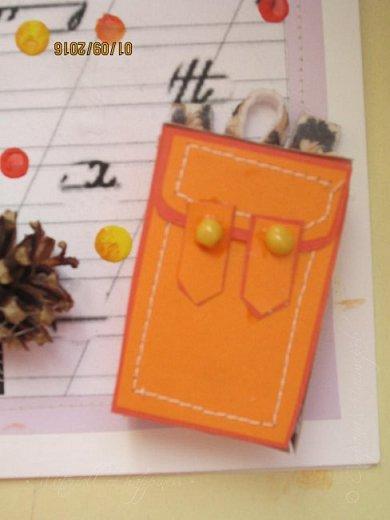 Здравствуйте! Сегодня (Хоть и поздновато) покажу открытку, подаренную учительнице. Работа делалась около 2-х часов.  За основу брала бумагу для черчения, так как она по толщине схожа с картоном и у неё как спереди так и сзади белый цвет. Основа состоит из 3 слоёв, вторым из которых был цветной лист сиреневого цвета. Его я пришивала на швейной машинке. Для третьего слоя я взяла специальную распечатку и приклеила её (Делала сама в Аватане, добавлю внизу) фото 5