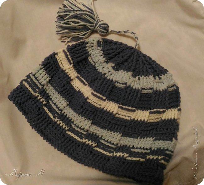 Вот она - вечная проблема с шапками. Та не нравится, эта слишком дорогая, у той фасон не тот. Поэтому решила сама связать сыну шапочку фото 1
