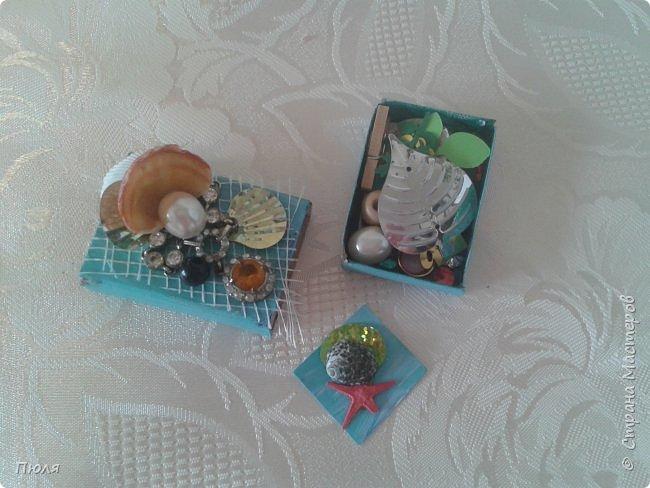 """Доброго времени суток уважаемые жители СМ! Спешу вам показать подарочки, которые я сделала для игры -обмена «МОРЕ ЗОВЁТ!!! ДУША ПОЁТ!!!!» организованной Катериной ( http://stranamasterov.ru/node/1037354 ).  Делая подарочки к обмену, придерживалась условию игры: """"ВАЖНО: ВО ВСЕХ ПОДАРОЧКАХ ОБЯЗАТЕЛЬНО ПРИСУТСТВИЕ темы МОРЯ И СОЛНЦА!!!!!"""" Что у меня из этого вышло судить вам....Это общий кадр всех рукоделок, а дальше все покажу и расскажу по отдельности.  фото 22"""