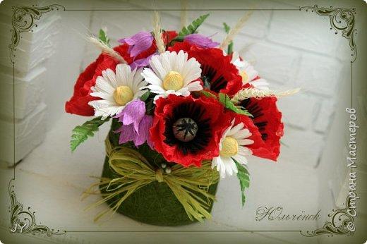 Первосентябрьские букетики! Вот такие разнообразные в этом году получились! Тут и ручной букет с розами... фото 4