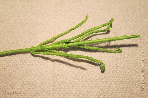 Т.к. в СМ много разных гербер, то остановлюсь на веточке хризантемы и листьях. фото 8