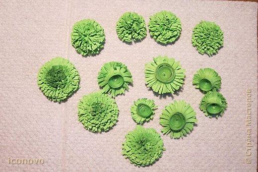 Т.к. в СМ много разных гербер, то остановлюсь на веточке хризантемы и листьях. фото 10