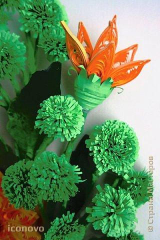 Т.к. в СМ много разных гербер, то остановлюсь на веточке хризантемы и листьях. фото 5