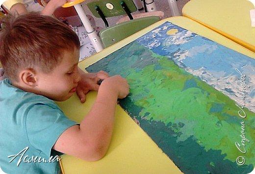 """Лето уходит, но остаются тёплые воспоминания о солнечных летних днях. Эта пластилиновая картина была создана детьми подготовительной группы в рамках проекта """"Деревья нашего участка"""" и явилась итогом того, что дети узнали. фото 7"""