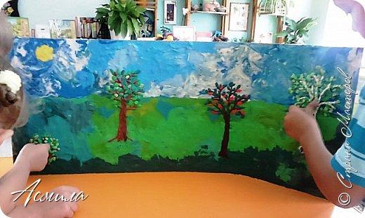 """Лето уходит, но остаются тёплые воспоминания о солнечных летних днях. Эта пластилиновая картина была создана детьми подготовительной группы в рамках проекта """"Деревья нашего участка"""" и явилась итогом того, что дети узнали. фото 10"""