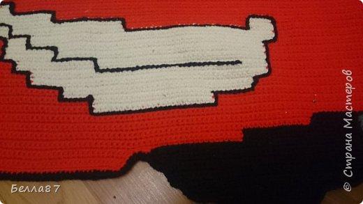 Вот такой вот коврик в детскую сыну я связала крючком.  Размер примерно 100 см на 65 см фото 2