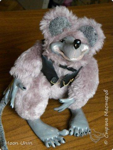 Знакомьтесь - крыс по имени Пасюк! :) Моя первая игрушка, выполненная в смешанной технике - голова и лапы из полимерной глины, туловище из искусственного меха. фото 38